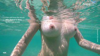 Alisa-naked-in-ibiza-19-320x
