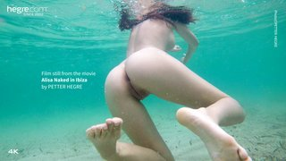 Alisa-naked-in-ibiza-26-320x