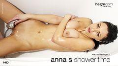 Anna S A la Ducha
