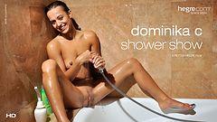 Dominika C Show en la Ducha