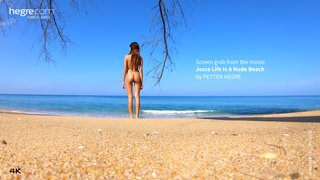 Jessa-life-is-a-nude-beach-04-320x