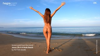 Jessa-life-is-a-nude-beach-21-320x