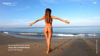 Jessa-life-is-a-nude-beach-22-320x