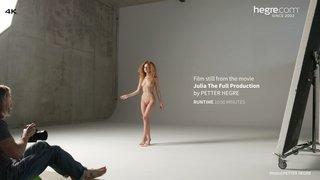 Julia-the-full-production-01-320x