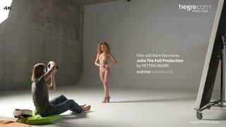 Julia-the-full-production-02-320x
