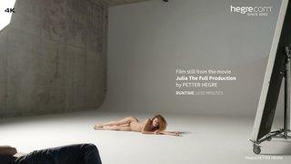 Julia-the-full-production-03-320x