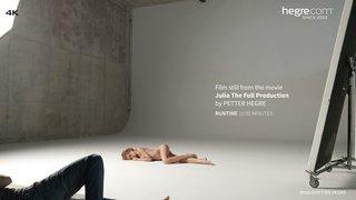 Julia-the-full-production-04-320x