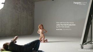 Julia-the-full-production-06-320x