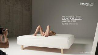 Julia-the-full-production-19-320x