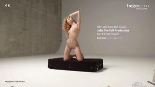 Julia-the-full-production-25-320x