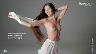 Leona-nude-intro-07-320x