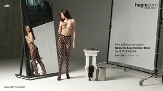 Nicolette-sexy-fashion-show-07-320x