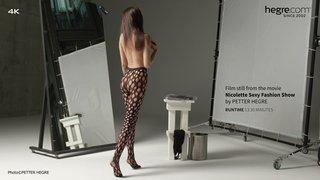 Nicolette-sexy-fashion-show-08-320x