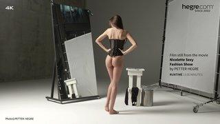 Nicolette-sexy-fashion-show-11-320x