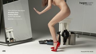 Nicolette-sexy-fashion-show-19-320x