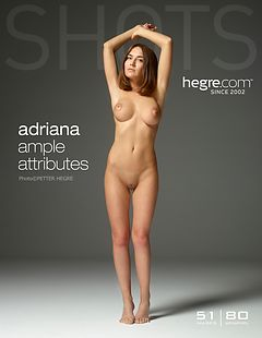 Adriana attributs amples