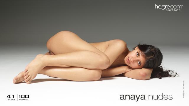 Anaya desnudos