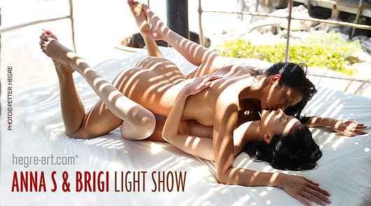 Anna S and Brigi light show