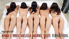 Anna S Brigi Melissa Muriel Suzie figuras en la cama