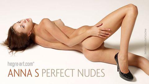 Anna S desnudos perfectos