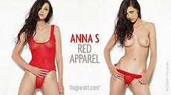 Anna S atuendo rojo