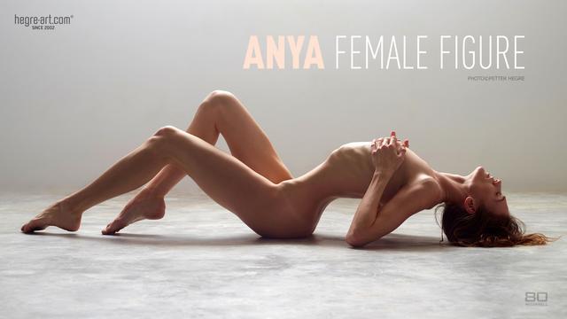 Anya silhouette féminine