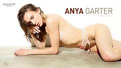 Anya garter