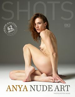 Anya arte al desnudo