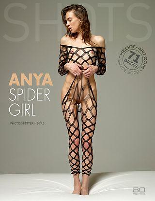 Anya chica araña