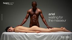 Ariel esperando al masajista