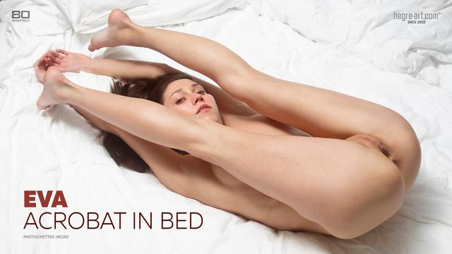Eva acrobat in bed