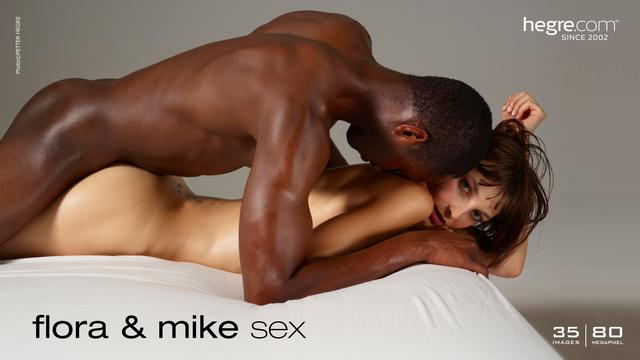 Flora y Mike sexo