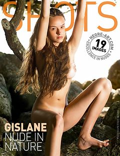 Gislane nude in nature