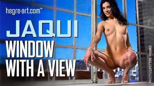 Jaqui Fenster mit Aussicht