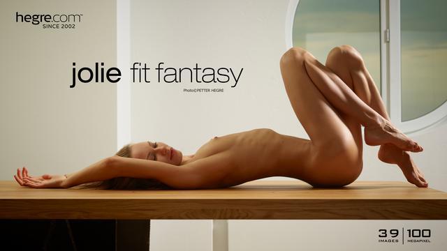 Jolie fantasía en forma