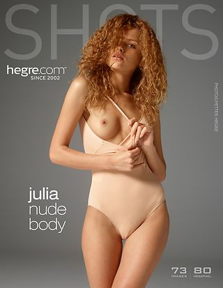 Julia nude body