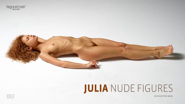 Julia nude figures