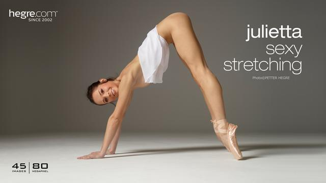 Julietta sexy stretching