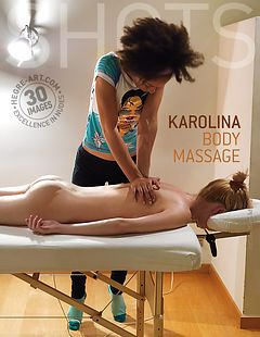 Karolina massage corporel