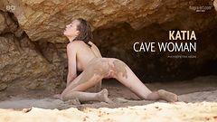 Katia mujer de las cavernas