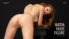Katia silhouette nue
