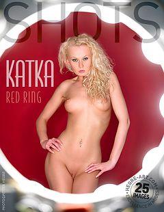 Katka anillo rojo