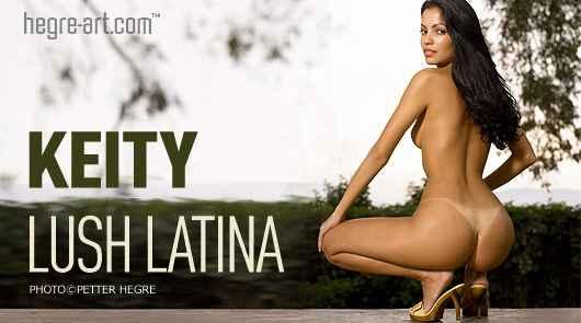 Keity latina exhuberante