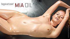 Mia oil