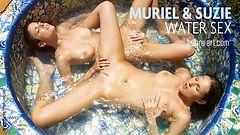 Muriel y Suzie sexo acuático