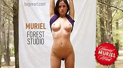 Muriel estudio en el bosque