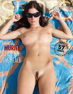 Muriel prélassement sur la plage