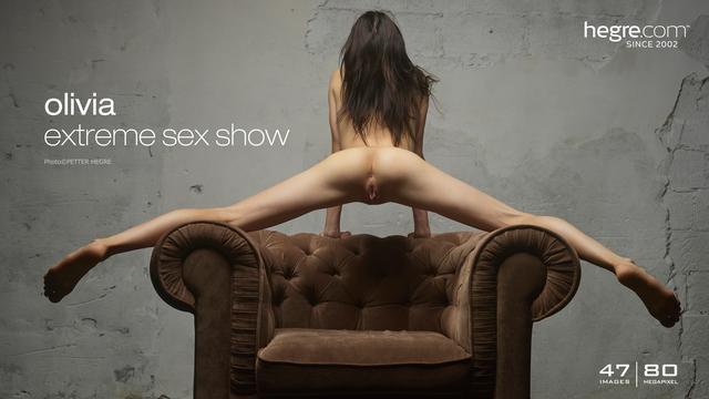 Olivia extreme sex show