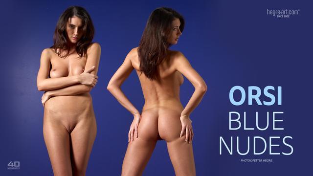 Orsi desnudos azules