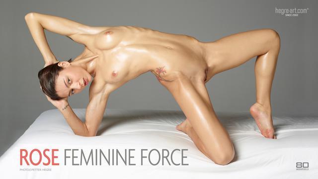 Rose force féminine